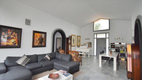 Villa de 3 dormitorios en venta en Elviria – R3611543 en