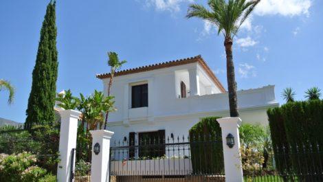 Villa de 4 dormitorios en venta en Sierra Blanca – R2660963 en
