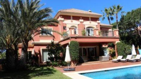Villa de 4 dormitorios en venta en Las Chapas – R2892365 en