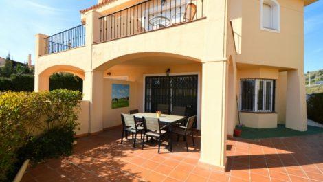 Villa de 3 dormitorios en venta en Riviera del Sol – R3931651 en