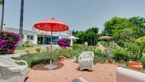 Villa de 4 dormitorios en venta en Selwo – R3661124 en