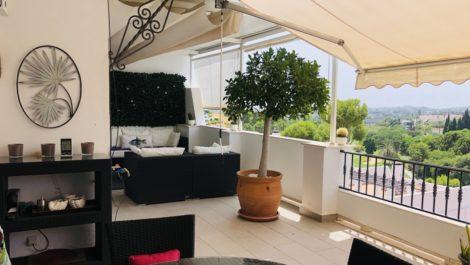 Atico de 3 dormitorios en venta en La Quinta – R3909382 en
