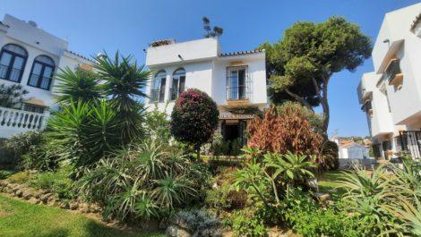 2 bedroom Villa for sale in Calahonda – R3933670 in