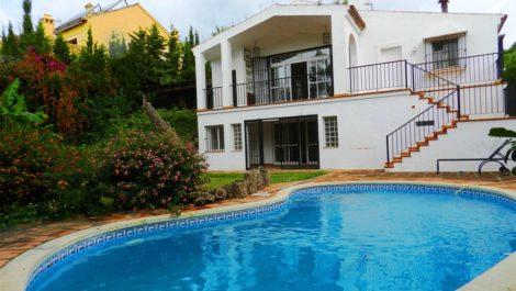 Villa de 4 dormitorios en venta en Sotogrande – R3923080 en