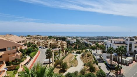 2 bedroom Apartment for sale in Calahonda – R3916717 in