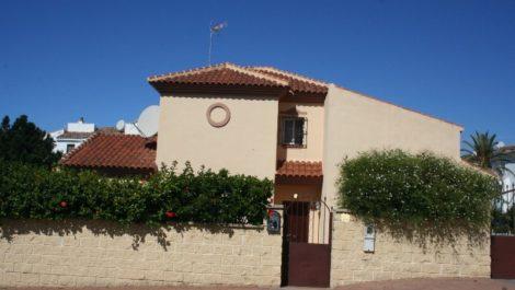 Villa de 5 dormitorios en venta en Riviera del Sol – R2771093 en