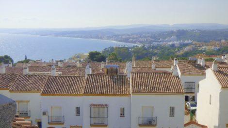 Atico de 2 dormitorios en venta en Estepona – R3363103