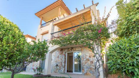 Villa de 5 dormitorios en venta en Riviera del Sol – R3931597 en