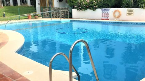3 bedroom Penthouse for sale in Calahonda – R3938038 in