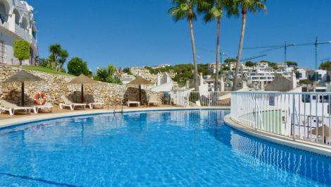 Adosado de 3 dormitorios en venta en Reserva de Marbella – R3940507