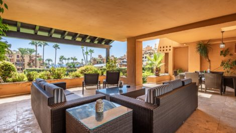3 bedroom Apartment for sale in Estepona – R3936697
