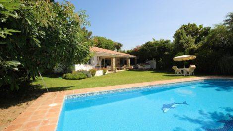 4 bedroom Villa for sale in New Golden Mile – R2559107 in